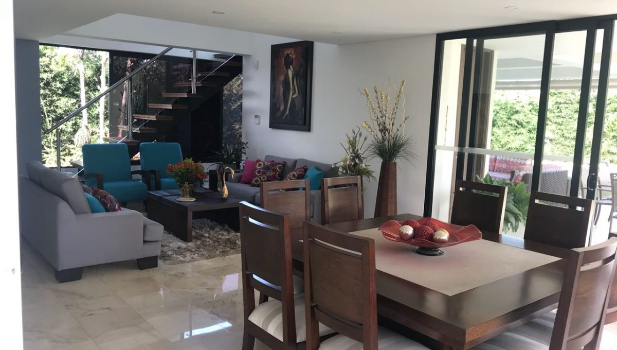 sala comedor casa en venta en pance