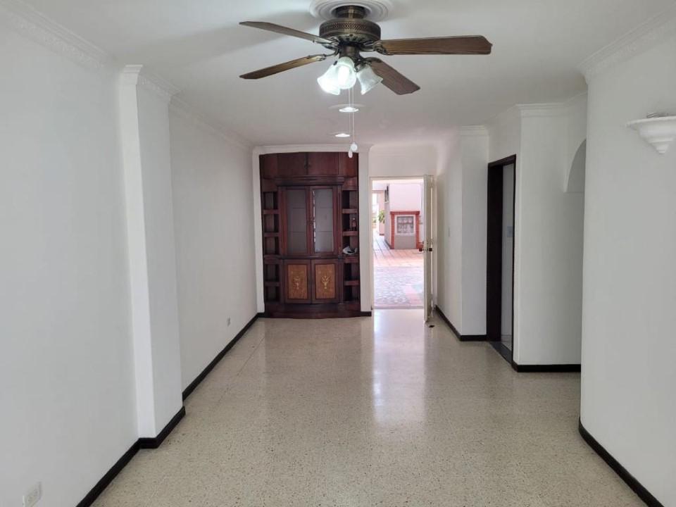 Apartamento en arriendo, Prados del Norte
